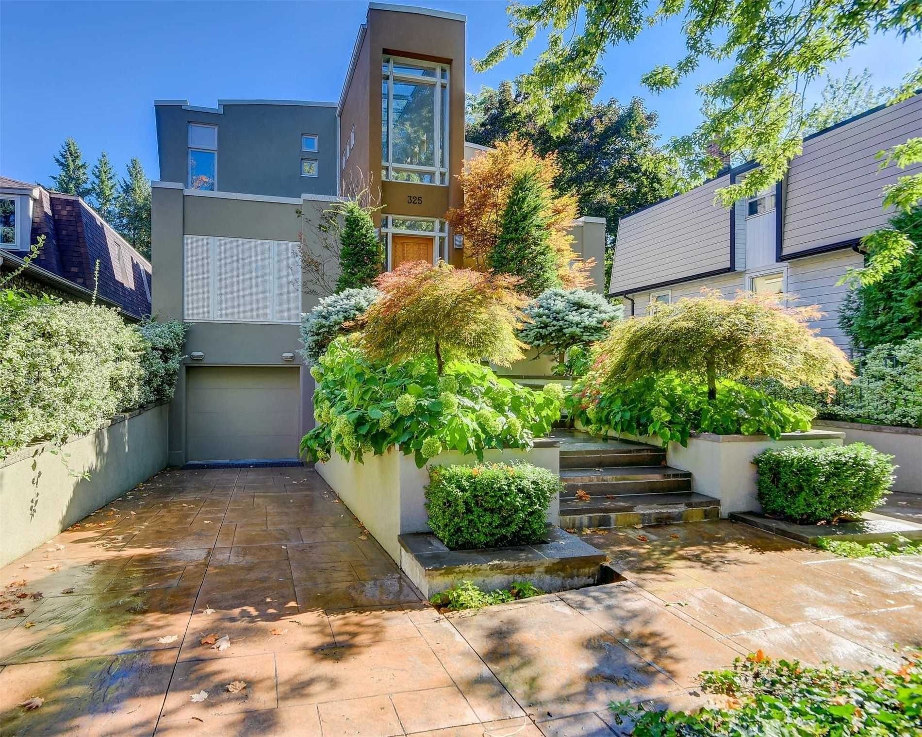 325 Hollywood Avenue for sale