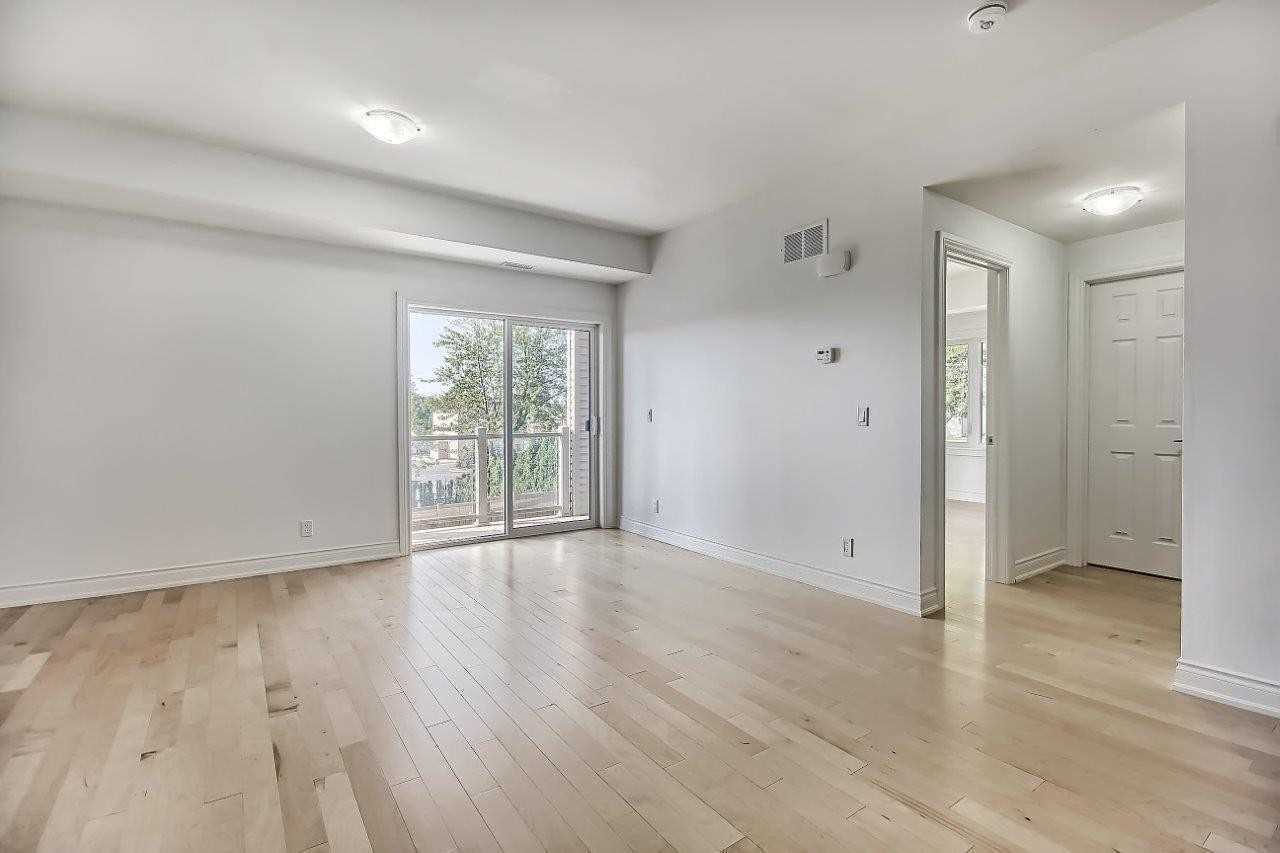205-128 Barrie Street for sale