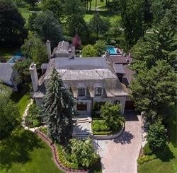 4 Woodmere Court for sale