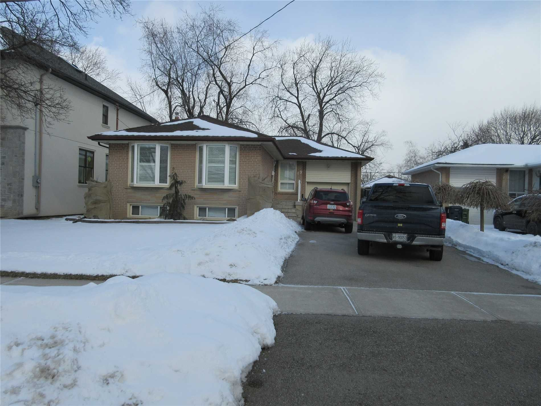 home for sale at 19 Hollister Road