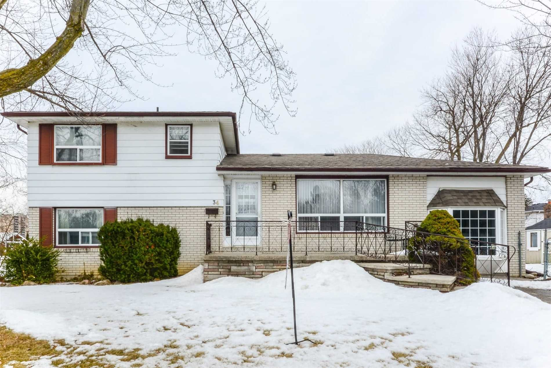 34 Watson Crescent for sale